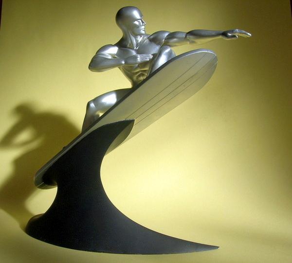 Surfer d'argent  Haut 35 cm